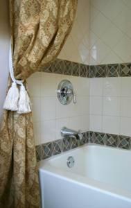 bathroom remodeling design decorative tile image 10
