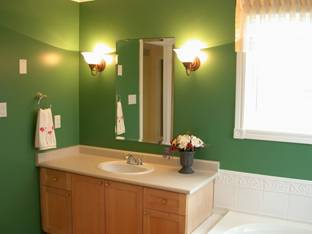 small bathroom remodeling project paint image 9